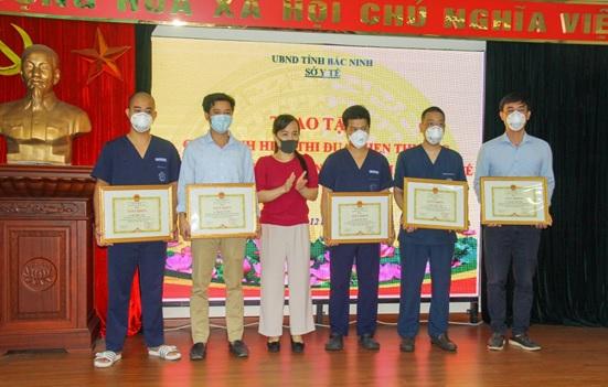 Tri ân đội ngũ chuyên gia trong công tác phòng chống dịch bệnh Covid-19  tại Bệnh viện đa khoa tỉnh Bắc Ninh
