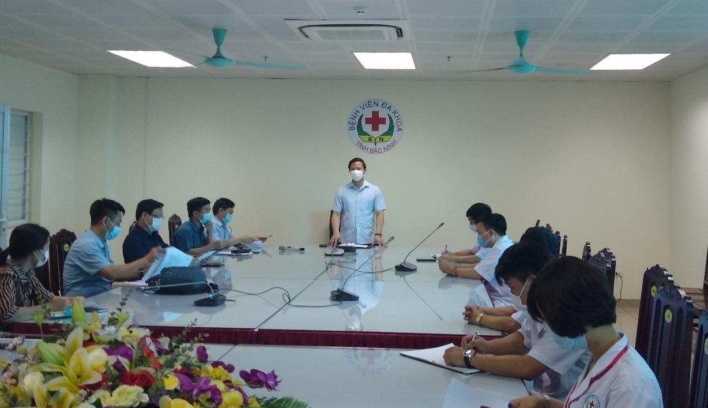 Phó Chủ tịch Thường trực UBND tỉnh kiểm tra công tác phòng, chống dịch tại bệnh viện Đa khoa tỉnh